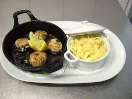 plancha de cuisine restaurant au rouget cantal cuisine terroir maître restaurateur