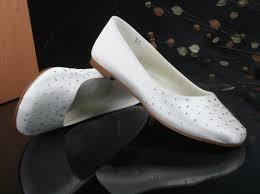 dyeable wedding shoes flat heel crystral closed toes casual white dyeable wedding shoes
