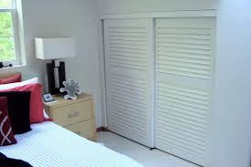 Closet Door Types Louvered Sliding Closet Doors Designs Ideas And Decors