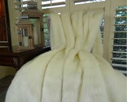 Faux Fur Throw Rugs Arctic Fox Faux Fur Throw Blanket U0026 Bedspread Arctic Creamy