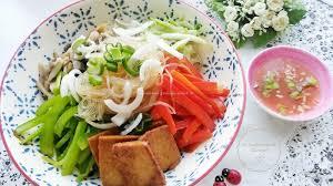 cuisine cor馥nne recette sauté de légumes aux vermicelles de riz recette de cuisine coréenne