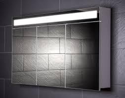 spiegelschränke für badezimmer spiegelschrank mit beleuchtung steckdose kühlen spiegelschrank bad