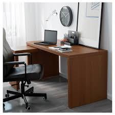 bureau avec tablette coulissante malm bureau avec tablette coulissante teinté brun plaqué frêne