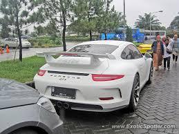 porsche 911 indonesia porsche 911 gt3 spotted in bogor indonesia on 02 22 2014