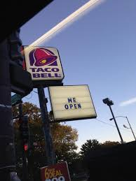 is taco bell open today thanksgiving