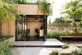 bureau de jardin design design exterieur bureau jardin meubles bois terrasse banc bois