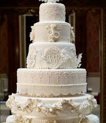 wedding cake kate middleton kate middleton wedding dress goes on display at buckingham palace