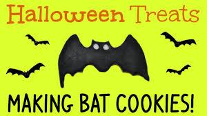 halloween treats making halloween bat cookies with fondant youtube