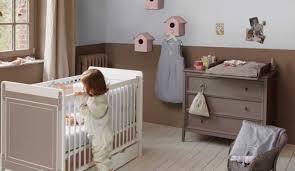 chambre bébé taupe et blanc couleurs tendance pour la chambre de bébé chambres de bébé