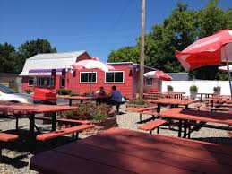 Red Barn Restaurant Outdoor Seating Picture Of The Red Barn Augusta Tripadvisor