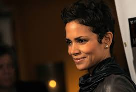 back view of halle berry hair halle berry shag short haircut side view thirstyroots com black