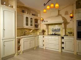 cuisines traditionnelles cuisine classique en bois massif belles cuisines traditionnelles