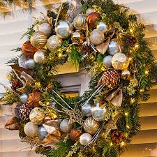 Decorating Windows Christmas Wreaths by Decorate Your Windows For Christmas