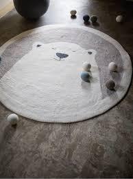 tapis ourson chambre b un ours polaire à la fourrure toute douce s installent dans la