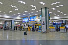 bureau d enregistrement bureau d enregistrement dans l aéroport d ahmedabad image stock