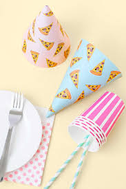 newsletter freebie pizza party hats u2013 make and tell