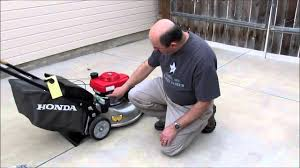 honda lawn mower hrr216vka features and 1st start youtube