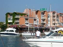 hotel port hébergements la narbonnaise