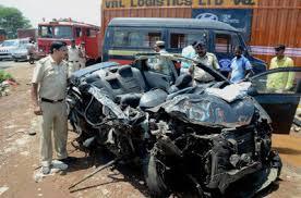 four techies killed 3 hurt as car rams into bus on mumbai nashik