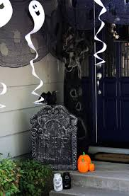 halloween cake decorating ideas graveyard 30 halloween porch decoration ideas easyday