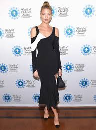 halloween party new york city 2012 martha hunt u0027s michelle pfeiffer costume is spot on instyle com