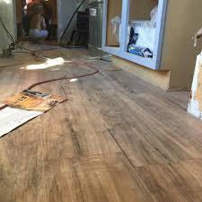 Lamett Laminate Flooring Trafficmaster Glueless Laminate Flooring Lakeshore Pecan