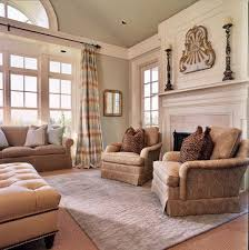 Crown Molding Vaulted Ceiling by Best 25 Vaulted Ceiling Decor Ideas On Pinterest Coffee Bar