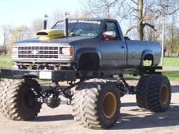 bigfoot 5 crushing monster trucks 52 best monster trucks images on pinterest monster trucks