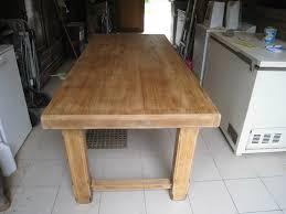 repeindre une table de cuisine en bois comment restaurer une table de cuisine en bois idée de modèle de