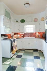 küche fliesenspiegel rückwand der küche in kupfer gestalten 20 ideen für den