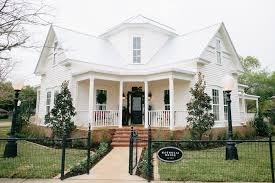 waco texas real estate chip and joanna gaines fixer upper season 3 episode 4 magnolia house