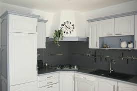 cuisine repeinte en noir repeindre sa cuisine en noir repeindre une cuisine en gris