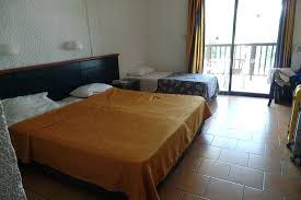 chambre fly lit d appoint pliant fly golden coast hotel bungalows chambre a