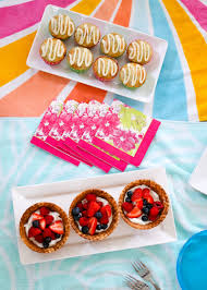 Easy Summer Entertaining Menu - 4 easy steps to surprise your kids with a welcome summer party