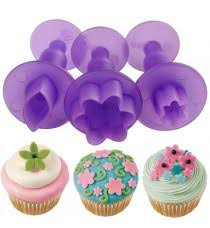 Wilton Cupcake Decorating Wilton Cake Cookies And Cupcake Decorating In Kuwait Tavola