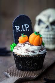 halloween cupcake ideas candy pumpkin black cupcakes and
