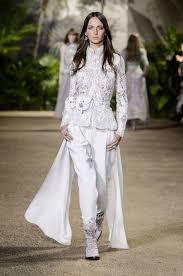 vetement femme cool chic mariage exit la robe de mariée oui au pantalon madame figaro
