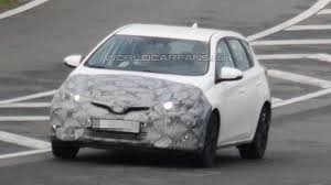 auris toyota auris facelift makes spy photo debut