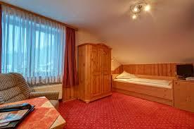 Esszimmertisch Tr Fel Hotel Am Kurpark Deutschland Todtmoos Booking Com