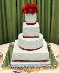 cherish publix wedding cake graceful piping around the edges