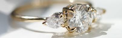 how to shop for an engagement ring to shop for an engagement ring