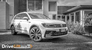 volkswagen tiguan white 2017 2017 volkswagen tiguan tsi r line 4motion car review mid sized