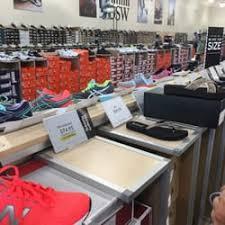 designer shoe outlet dsw designer shoe warehouse 15 photos shoe stores 1015 west