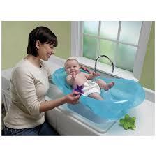 Mit Baby In Badewanne Badewanne Mit Baby Adorable Baby Mit Bad Im Blauen Badewanne Stock