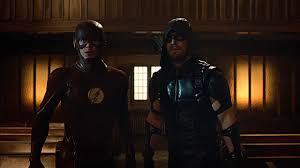 flash vs arrow wallpapers green arrow and flash vs the legends of tomorrow battles comic