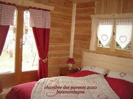 deco chambre montagne chambre style chalet montagne mobilier décoration