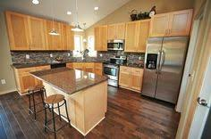 Light Maple Kitchen Cabinets What Color Floors Match Light Maple Cabinets In The Kitchen