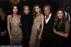 shiva safai mohamed hadid shiva safai doesn t care about age gap with mohamed hadid daily