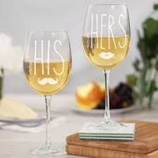 wine glass gift his hers engraved personalized wine glass glasses gift set of 2