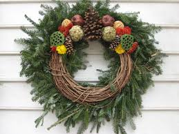 wreaths in colonial williamsburg